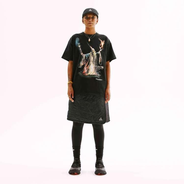 Nike ACG系列的Rope De Dope短裙,在需要禦寒的環境下還可變換為...