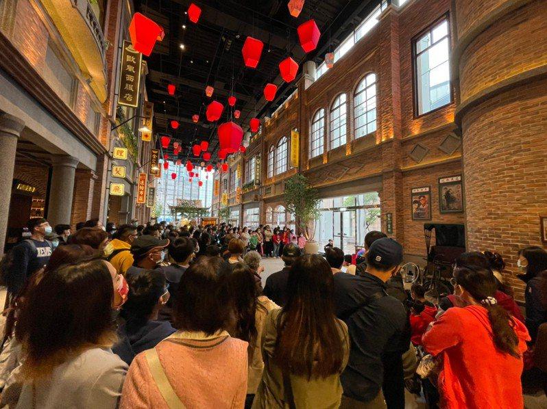 遠東百貨春節假期整體成長1成,春節優惠持續至3月3日前。圖/遠百提供