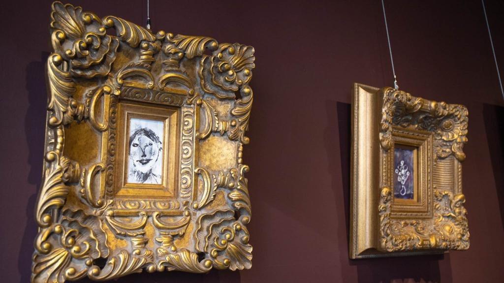 苗可麗的娃娃屋也收藏著她的畫作。圖/苗可麗提供