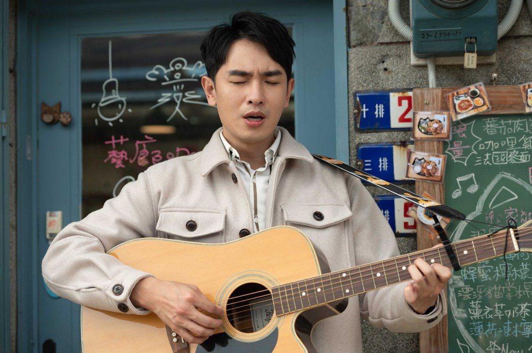 陳謙文自創求婚曲。圖/TVBS提供