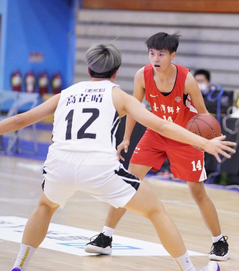 陳怡萱(右)。圖/大專體育總會提供