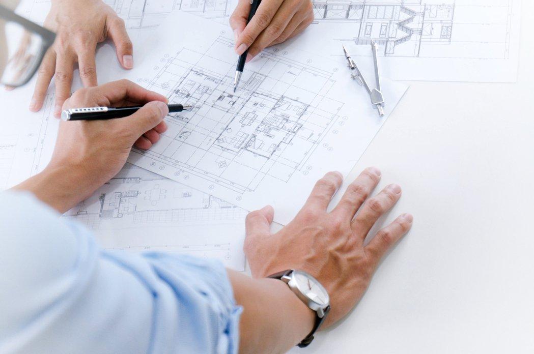 一名網友想靠自己來裝潢新家,但因為不會畫設計圖,只好求助網友。 圖/ingima...