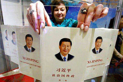 高度受當局政策和外交關係影響的中國書市,遠不只是自由市場的供需邏輯。回看過去三年...