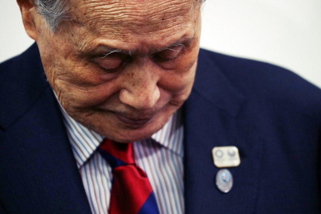 日本前首相森喜朗,因歧視女性發言登上國際媒體。在森辭去東京奧委會會長後,疫情下的...