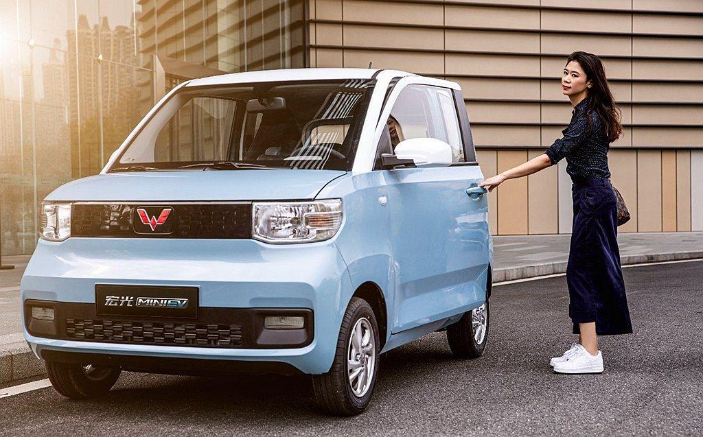 定位在超平價路線的五菱宏光Mini EV,去年在中國就累積銷售11.9萬輛,衝上...