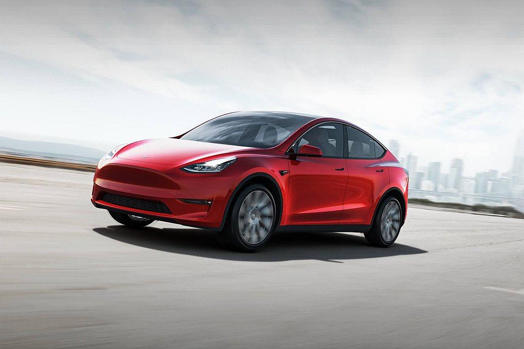 特斯拉Model Y平價休旅去年初起開始陸續交車,年度累積銷售達7.9萬輛排名第...