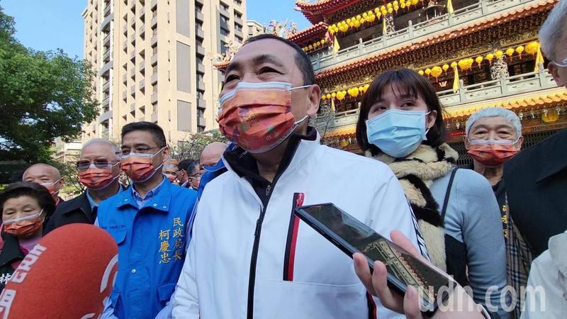 孫文學校校長張亞中昨天正式發出聲明,宣布參選國民黨主席,新北市長侯友宜表示,只要用心在社會上的回饋,他都給予祝福。記者江婉儀/攝影