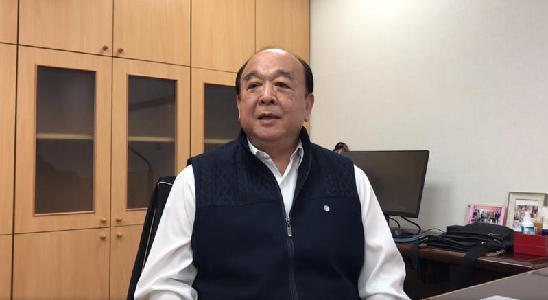 國民黨立委吳斯懷說明他對海巡署艦艇增加塗裝的評論。圖/取自吳斯懷臉書