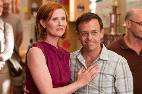 「慾望城市」即將在HBO Max推出10集、每集半小時的續篇「And Just Like That」,曾令不少死忠粉絲熱切期待,雖然一早就宣布扮演肉食女的金凱特蘿不會回歸,4位女主角缺一位,還是有眾...