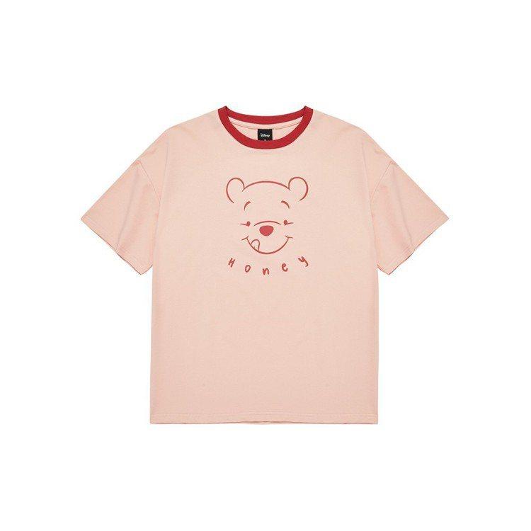 蝦皮購物迪士尼粉萌季將於2月23日推出CACO貪吃維尼線稿上衣,售價550元。圖...