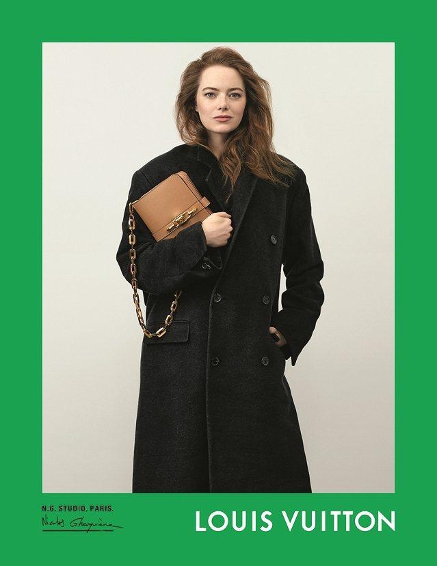 艾瑪史東詮釋春夏新款Rendez-vous手袋。圖/LV提供