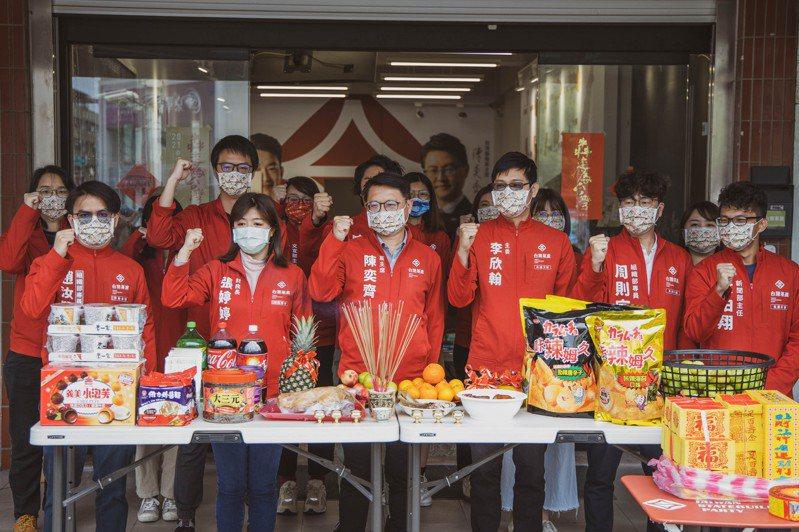 台灣基進今天新春團拜,也強調明年選舉要和民進黨「綠綠合作」,爭取「本土派過半」。圖/台灣基進提供