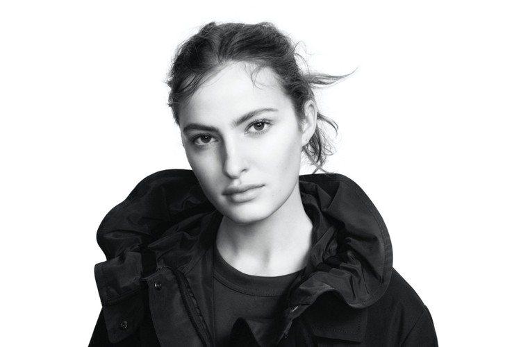 UNIQLO則宣告在去年引起全球瘋搶的+J系列,即將再度推出春夏新款,讓時尚感到...