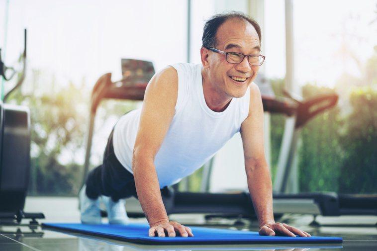 運動是你可以騙過大自然的友善方法。你可以用一天不到一小時的運動,來說服身體,大草...
