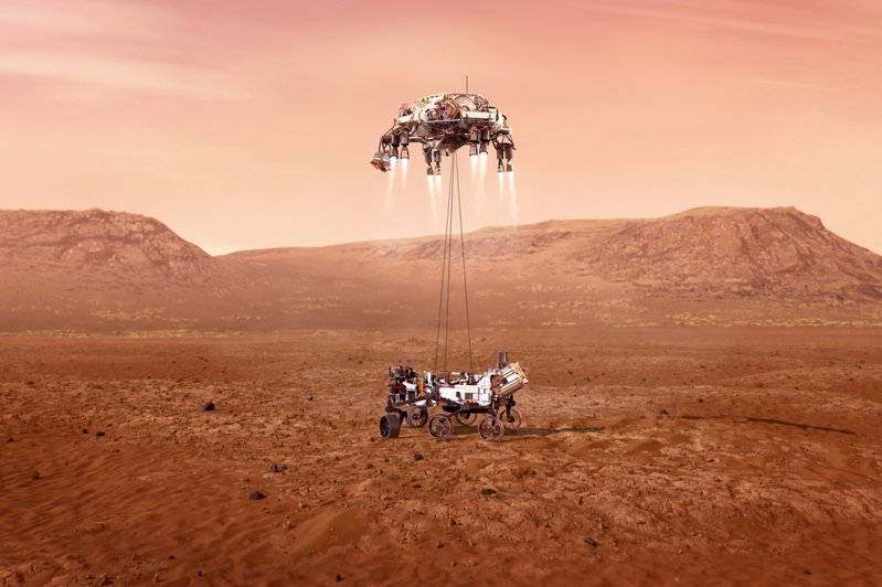 NASA的火星探測器「毅力號」(Perseverance)18日下午3時55分安全降落在NASA鎖定的最小範圍後。一登陸火星,其推特便發文宣布:「我安全抵達火星了,毅力號無所不去。」  美聯社