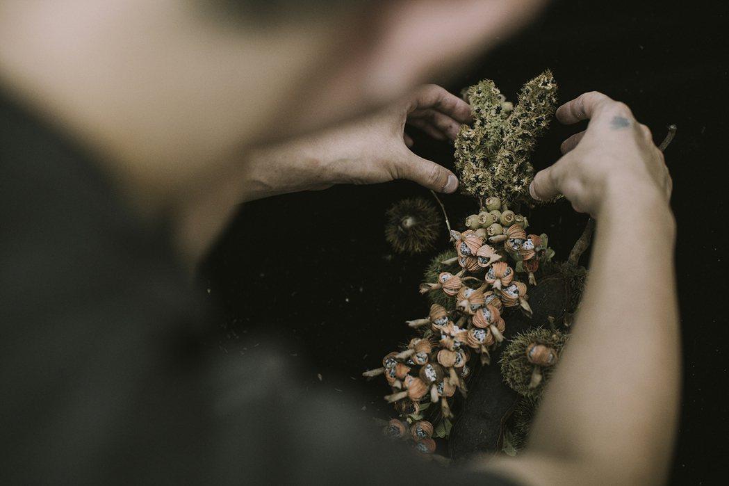 廖浩哲工作室以花藝設計呈現谷關自然美學樣貌。 圖/樸實創意提供