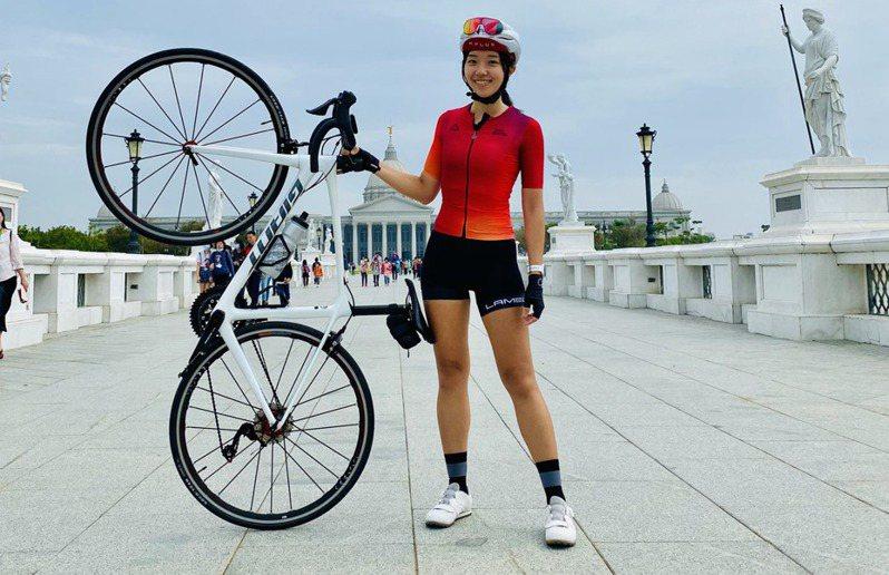 單車物理治療師克萊兒,為了讓臨床工作更能體會病友感受,開始運動。圖片由克萊兒授權有肌勵刊登