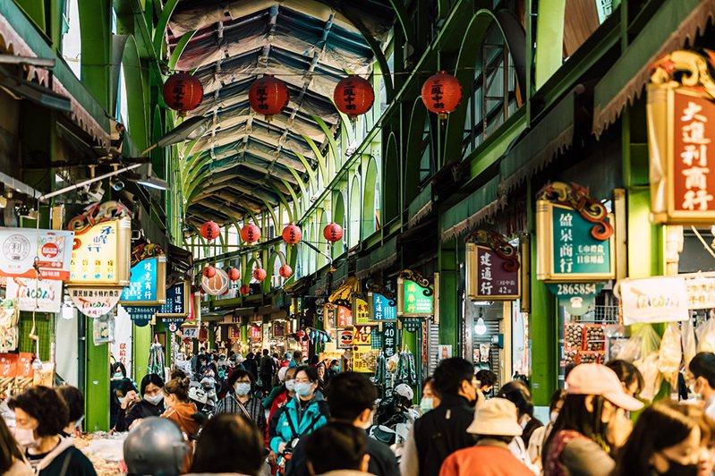北迪化,南中街,高雄年貨大街就是三鳳中街。(攝影/陳建豪)