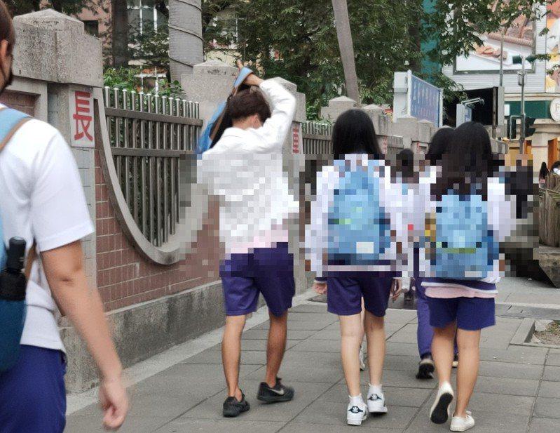 網友是這個世代一定會碰到的族群,卻也成為家長最擔心的隱憂。圖/聯合報系資料照片