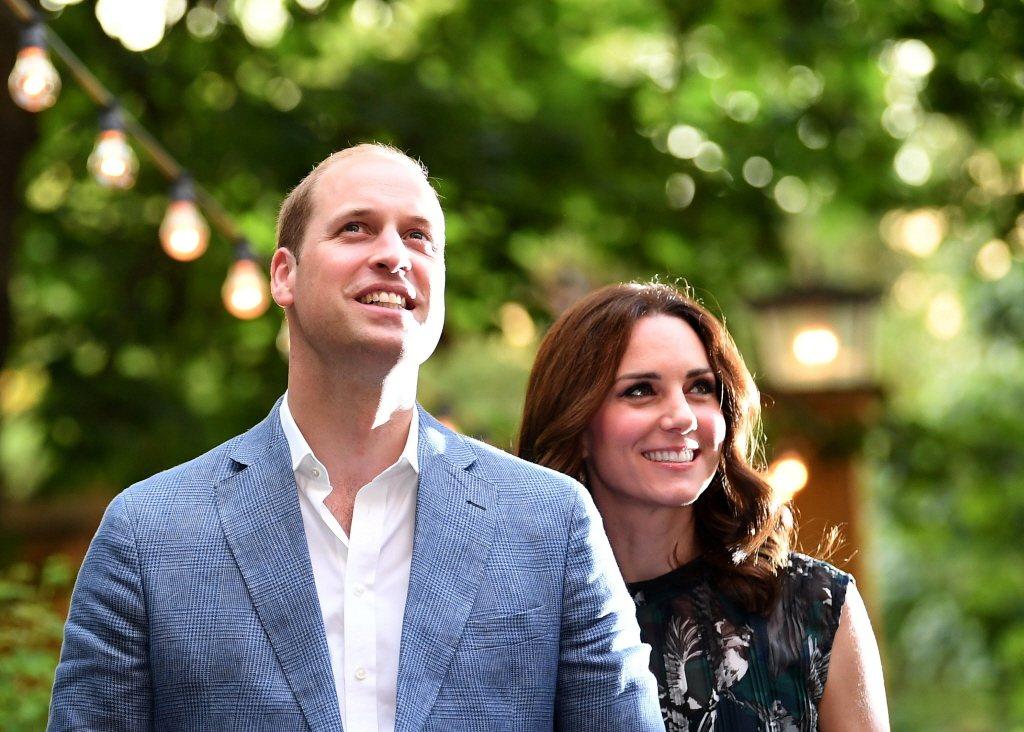威廉與凱特扛下所有未來國王、王后的責任,大受英國人民擁戴。圖/路透資料照片