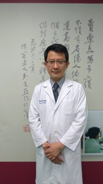彰化基督教醫院中醫部主任黃頌儼說,已有實證顯示針灸治療可改善失智者的記憶力、情緒...