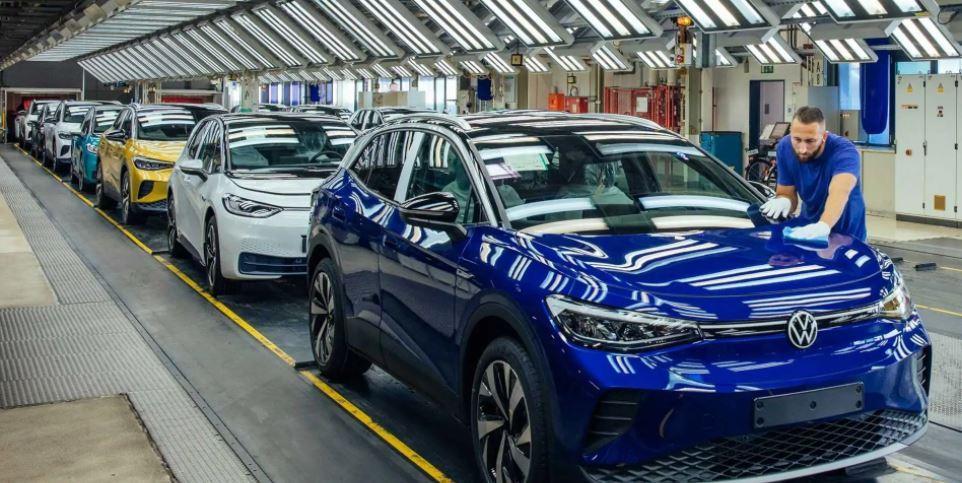 福斯汽車(Volkswagen)幾周前即警告,由於生產遇到瓶頸,今年第1季會減少...