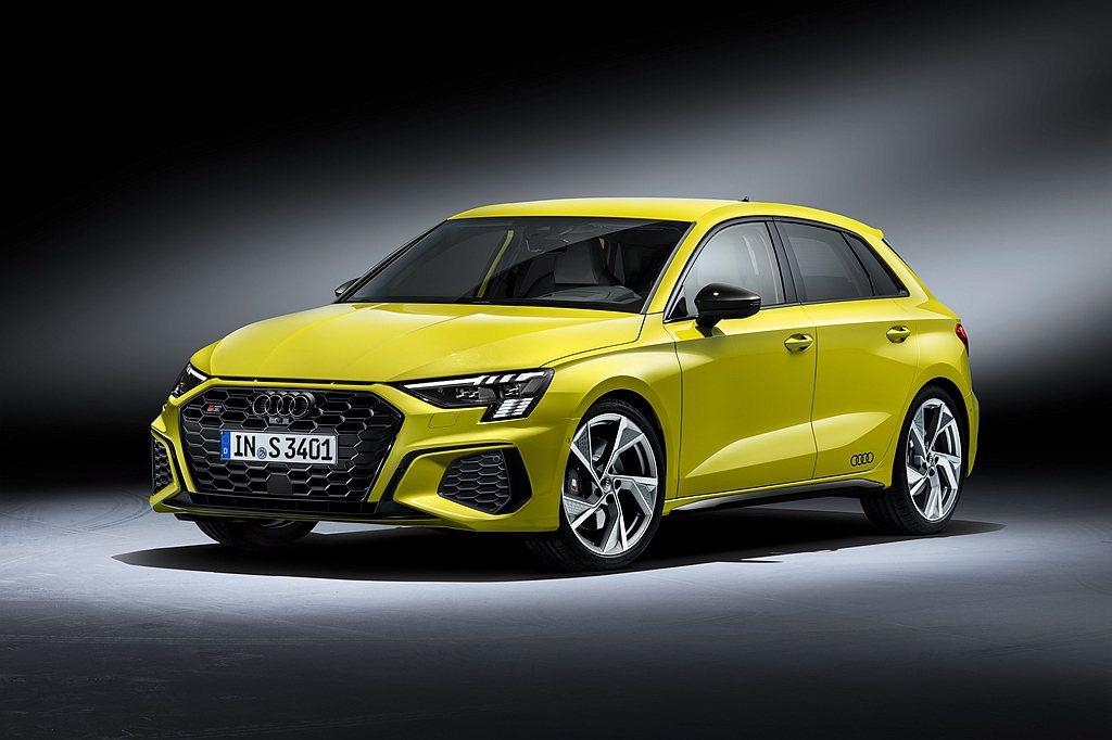 18吋Audi Sport鋁圈搭配紅色塗裝卡鉗、跑車式轉向系統、運動化電子可調式...