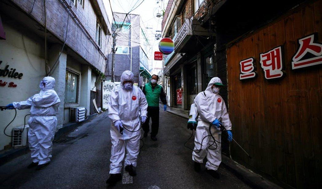 南韓社會至今仍對同志充滿歧視氛圍,尤其疫情期間,同志夜店也成了群聚感染的矛頭指向...