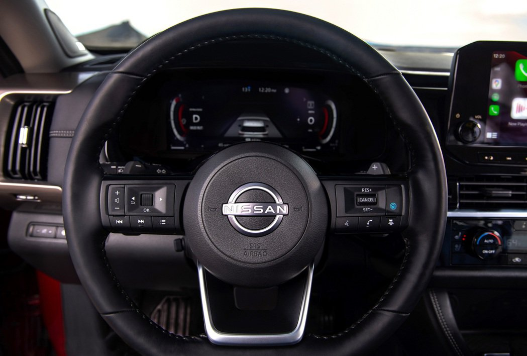 Nissan新世代家族化方向盤。 圖/Nissan提供