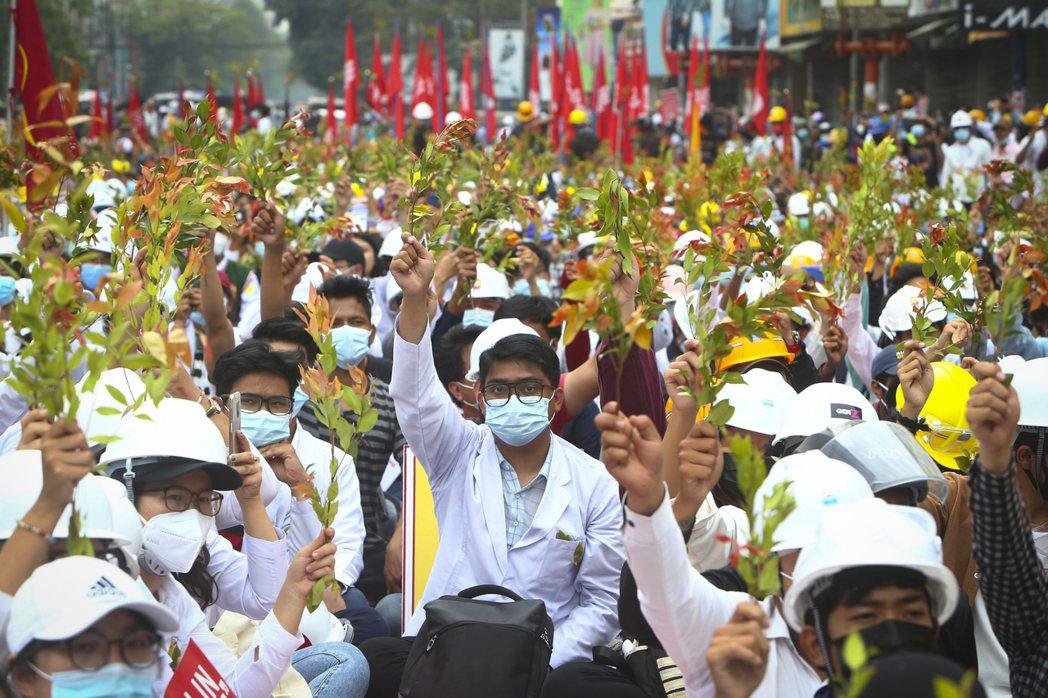 緬甸示威潮擴大。 美聯社