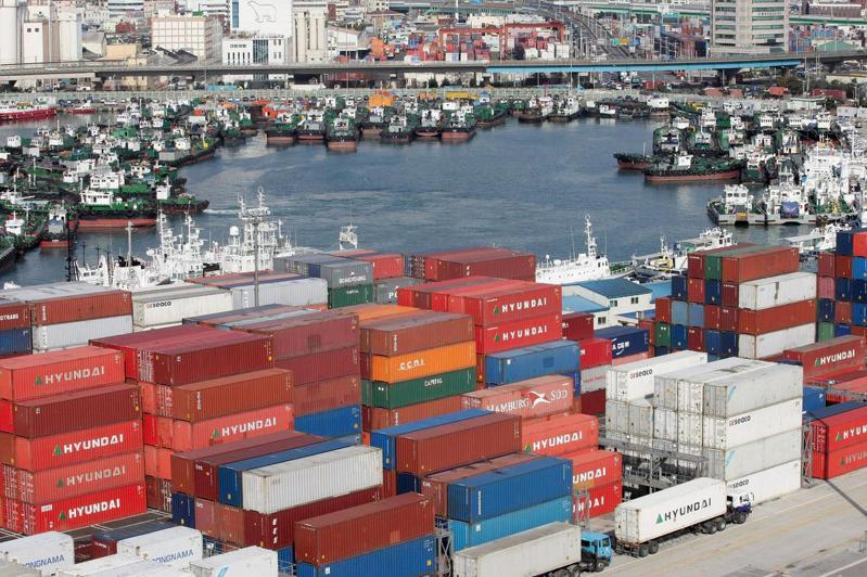 南韓2月頭20天出口激增16.7%。(歐新社)