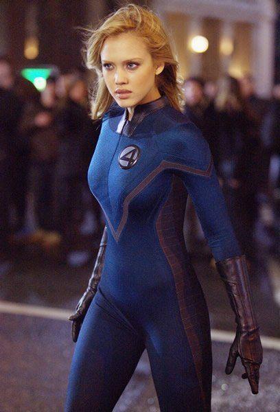 潔西卡艾芭曾在舊版「驚奇4超人」電影中飾演「隱形女」。圖/摘自imdb