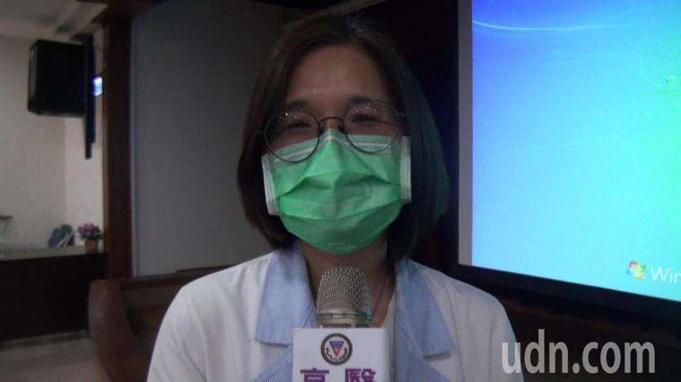 高醫營養部主任黃孟娟分析國人三大使用保健食品的NG行為。記者王昭月/攝影