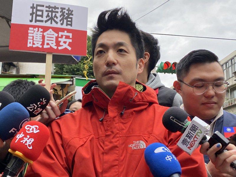 國民黨2022年台北市長熱門人選的蔣萬安過年連趕幾十攤基層,對「藍白合作」表示,政黨間既合作又競爭,至少先從議題上合作,一起有效制衡、監督執政黨。圖/聯合報系資料照片