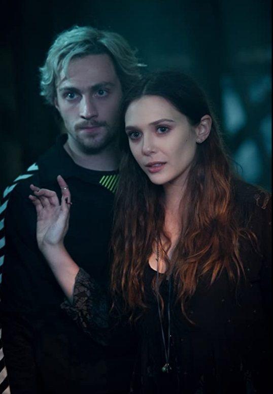 伊莉莎白歐森(右)在漫威「復仇者聯盟」電影中陪伴的「快銀」是艾倫泰勒強森。圖/摘...