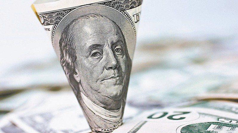 台股震盪,匯市波動,銀行競推台、外幣高利定存。(本報系資料庫)