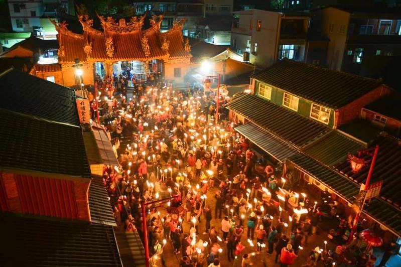 元宵節即將到來,新竹縣北埔鄉將舉行特色元宵活動「正月十五油笐火」。圖/北埔鄉公所提供