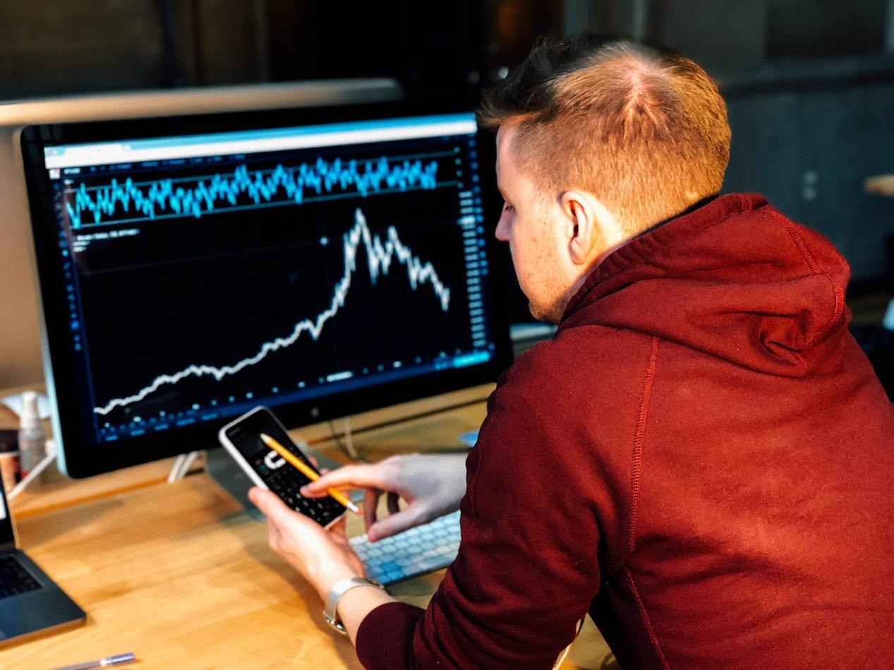 談到投資,許多人的目標是加速財富累積,若想靠基金投資錢滾錢,股票型基金便是不錯的...