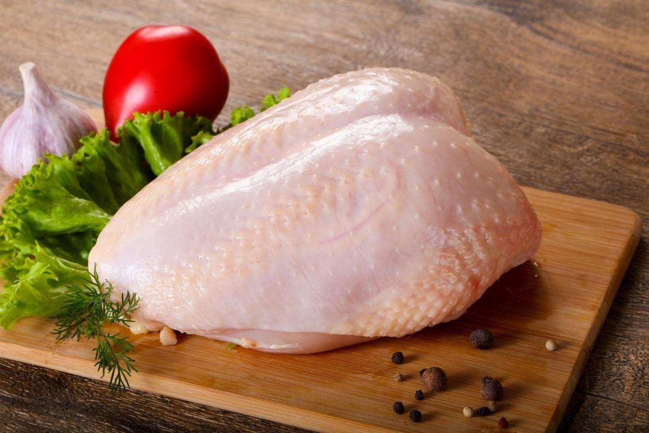 雞胸肉因為蛋白質短鏈讓肉質組織脆弱、保水性不佳,所以才容易被煮得口感乾柴。 圖/...