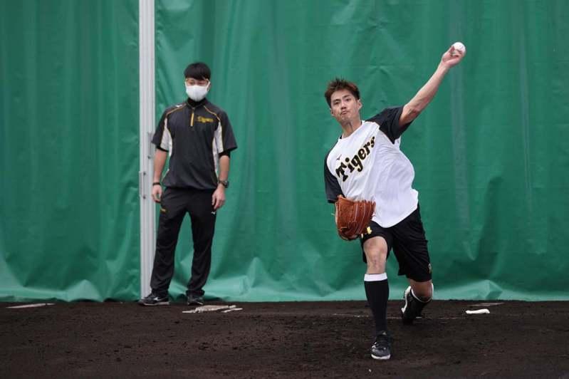 旅日投手陳偉殷今天第二次面對隊友投球,最快27日對中日龍隊熱身賽登板。 截圖自陳偉殷官方粉絲團