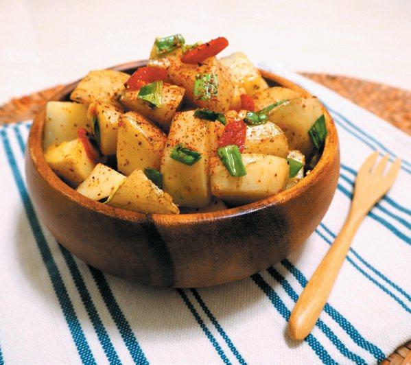 七味唐辛子馬鈴薯成品。 圖/健行文化 提供