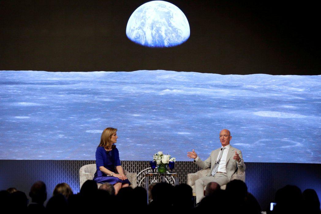 隨著2024年登月計畫進入倒數計時,貝佐斯和馬斯克將面臨可能是此生前所未有的艱鉅任務。 圖/路透社