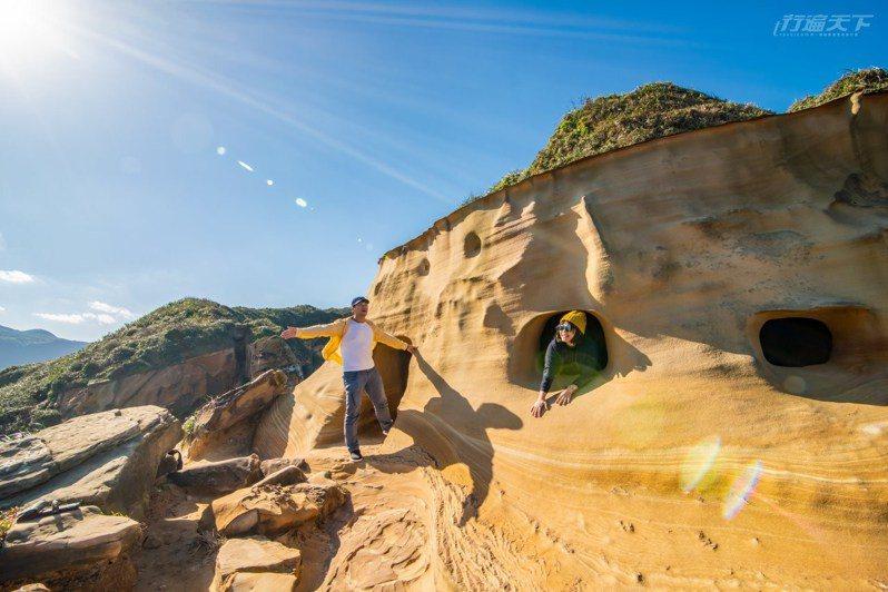 奇岩怪石地形真有種來到外太空感。