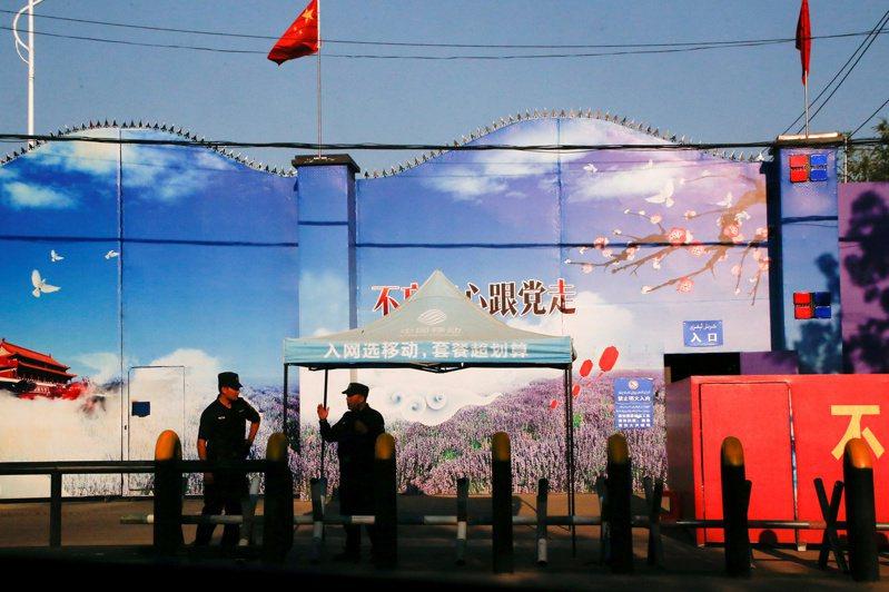 加拿大國會22日通過動議,指中國在新疆地區對待維吾爾族穆斯林的方式構成種族滅絕。路透