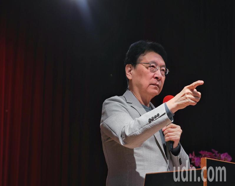 趙少康上午舉行記者會向蔡政府提施政建議,趙少康痛批蘇貞昌如今還稱新冠肺炎為武漢肺炎,是對中國大陸的羞辱。記者曾原信/攝影