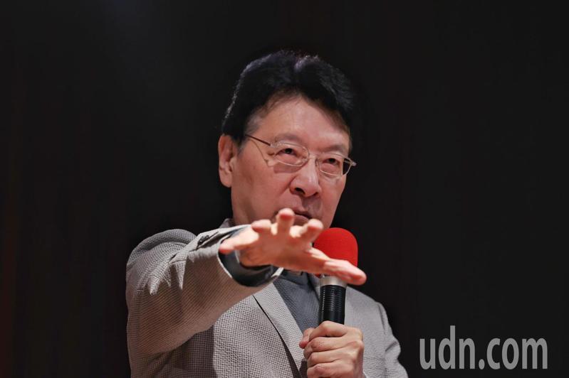 趙少康日前表態爭取國民黨總統提名,他今天召開記者會首度說明國政建議,包括推動內閣制、18歲公民權、不在籍投票。記者曾原信/攝影