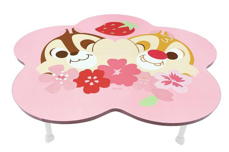 7-ELEVEN「迪士尼櫻花季精品集點」活動推出「限量造型摺疊桌」,集滿6點加4...