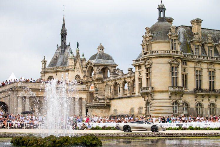 除了展出大量古董賽車,前一日的超跑拉力賽,也是Chantilly Arts & ...