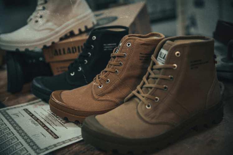 全新升級「PALLABROUSSE LEGION」系列靴款,外型承襲1947年的...