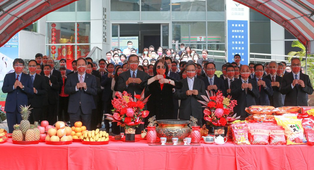 裕隆舉行新春開工祭拜典禮。裕隆提供